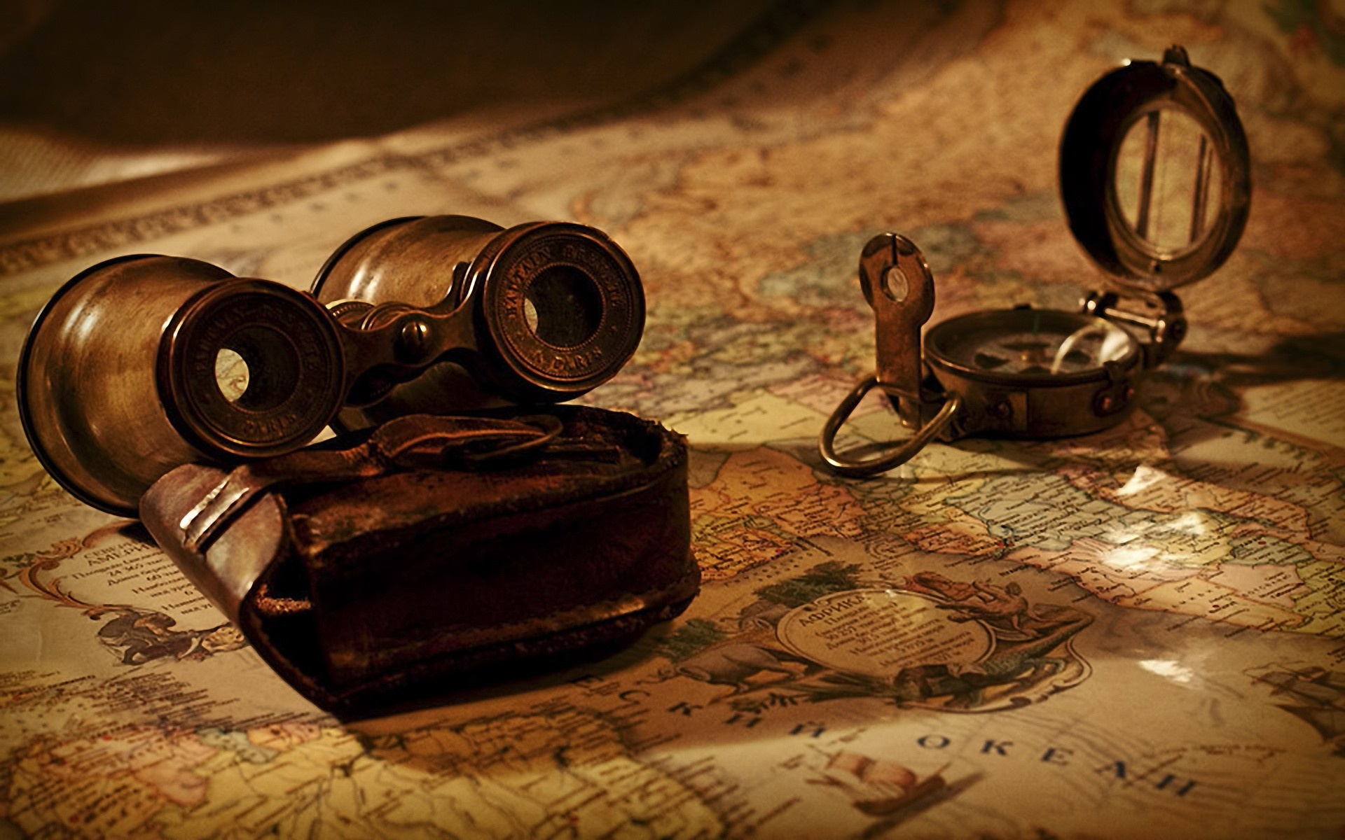 binoculars_and_map_1920x1200