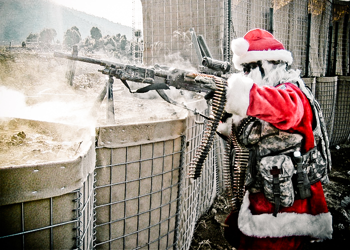 santa_as_machinegunner-2
